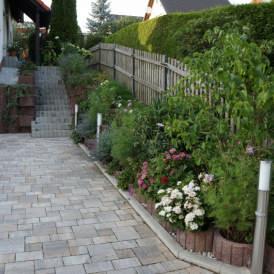 Neugestaltung Einfahrt/Zufahrt